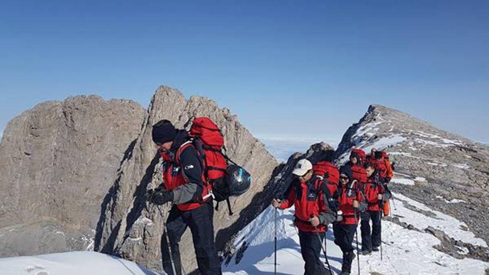 Ομαλά εξελίσσεται η επιχείρηση διάσωσης των δύο τραυματισμένων ορειβατών στον Όλυμπο