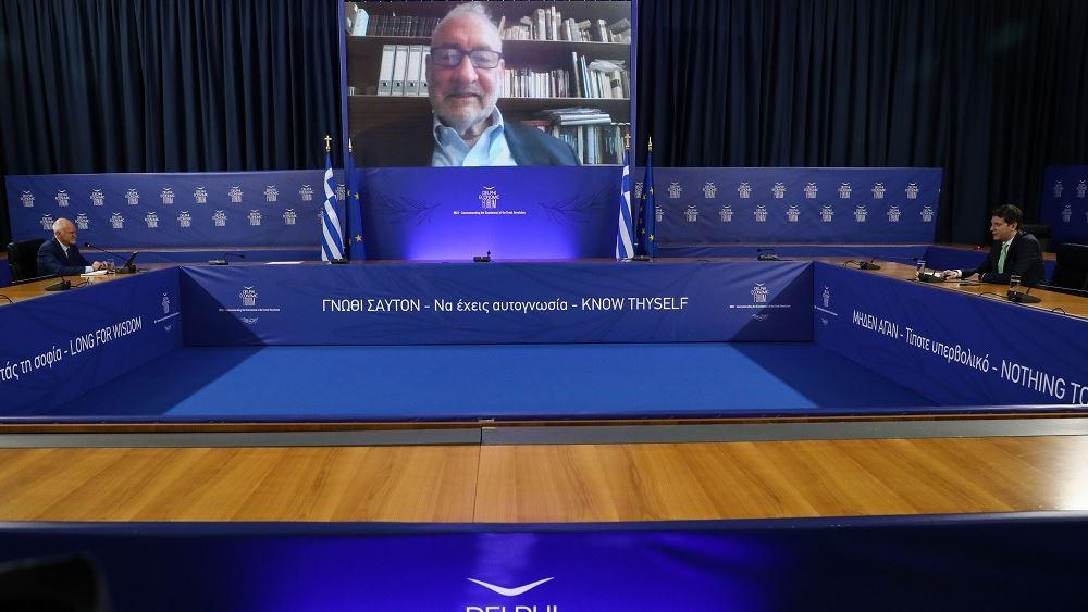 R. Stiglitz: Οι πρώτες 100 ημέρες του Τζο Μπάιντεν στο τιμόνι των ΗΠΑ ήταν εντυπωσιακές
