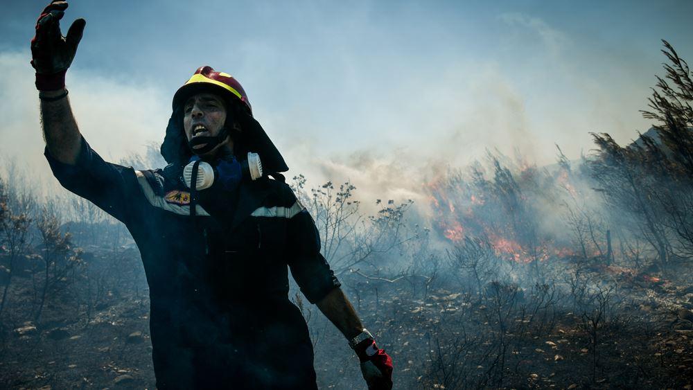 """Χωρίς ενεργό μέτωπο η φωτιά στο Σέιχ Σου - Για προληπτικούς λόγους η εκκένωση του ξενοδοχείου """"Φιλίππειο"""