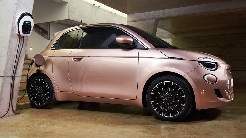 Το νέο ηλεκτρικό Fiat 500 κάνει απόβαση στη Βραζιλία