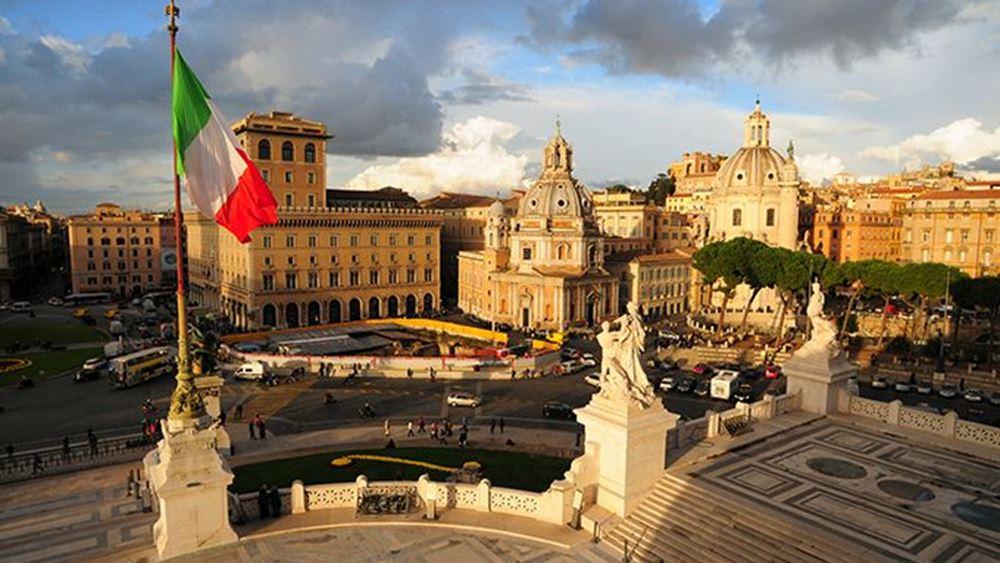 Χαιρετίζει τη συμφωνία στο Eurogroup ο Ιταλός ΥΠΟΙΚ
