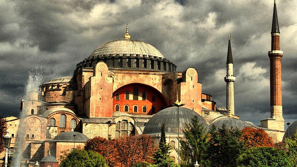 Τούρκοι εθνικιστές εισέβαλαν στην Αγία Σοφία για προσευχή διαμαρτυρίας