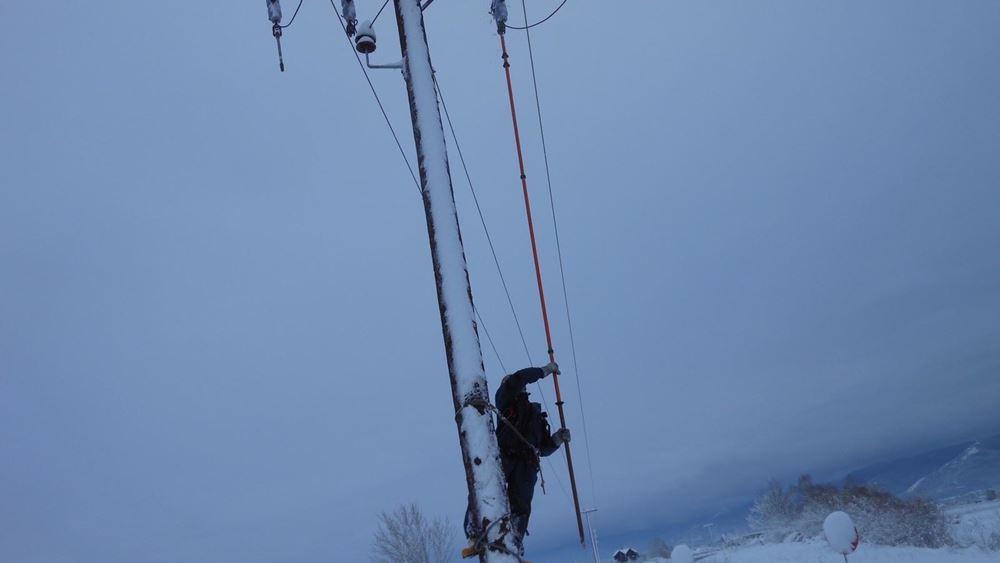 Συνεχίζονται οι εργασίες αποκατάστασης της ηλεκτροδότησης σε περιοχές της Β. Ελλάδας