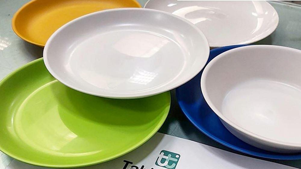 Τέλος στα πλαστικά πιάτα και καλαμάκια από 3 Ιουλίου
