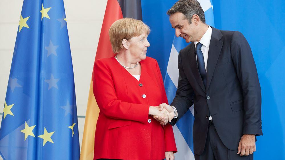 """Μητσοτάκης-Μέρκελ συμφώνησαν στην εκπόνηση """"πράσινου επενδυτικού σχεδίου"""" για τη δεκαετία 2020-2030"""