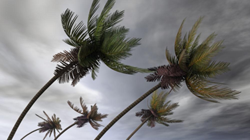 ΗΠΑ: Στην κατηγορία 2 υποβαθμίστηκε ο κυκλώνας Ντόριαν