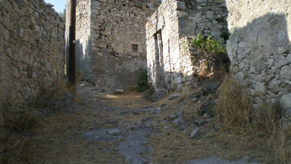 Πωλείται εγκαταλελειμμένο χωριό στην Μεσαρά της Κρήτης