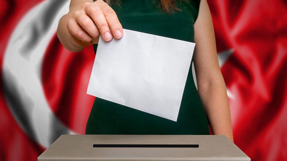 Τουρκία: Δημοσκόπηση δίνει την εκλογική νίκη στη συμμαχία Ερντογάν-Μπαχτσελί