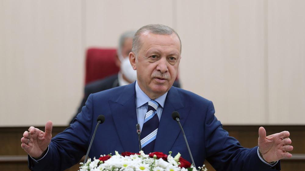 """Πώς ο Ερντογάν """"μαγειρεύει"""" τον πληθωρισμό της Τουρκίας και μεταθέτει όσους αντιτάσσονται"""