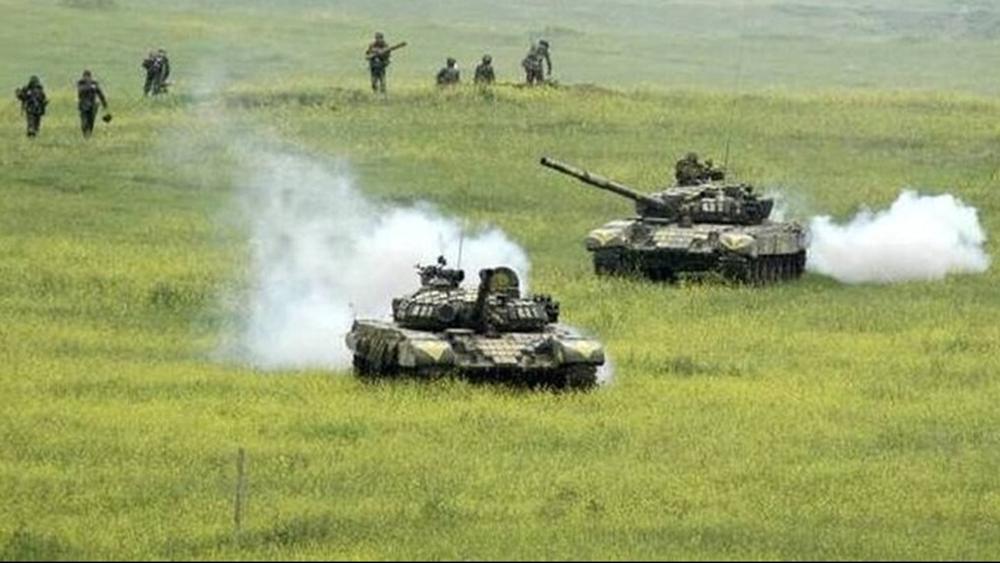 """Αρμενία-Αζερμπαϊτζάν απορρίπτουν τις συνομιλίες - Για """"κίνδυνο κλιμάκωσης"""" προειδοποιεί η Ρωσία"""