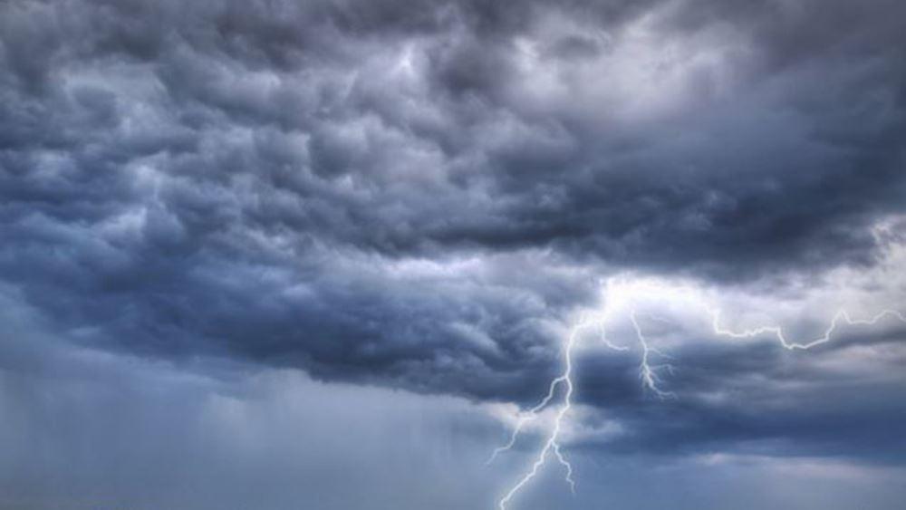 Επιδείνωση καιρού με καταιγίδες και θυελλώδεις ανέμους