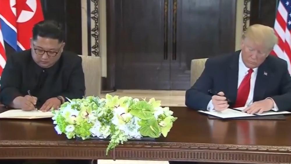 """Πιονγκγιανγκ: """"Εξαιρετική"""" η συνάντηση Κιμ Γιονγκ Ουν και Ντόναλντ Τραμπ στην αποστρατιωτικοποιημένη ζώνη"""