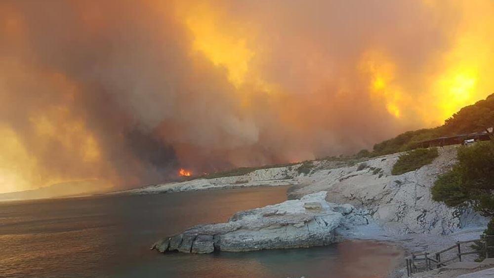 Εκκενώνονται κάμπινγκ κοντά στη Μασσαλία λόγω πυρκαγιάς
