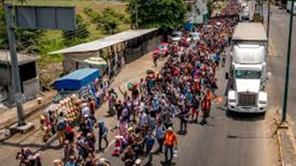 ΗΠΑ: Πάνω από 10.000 μετανάστες, κυρίως από την Αϊτή, κατασκηνώνουν κάτω από γέφυρα στα νότια σύνορα