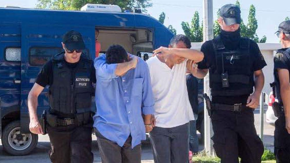 """Θεσσαλονίκη: Στον εισαγγελέα 19 άτομα για τις διαμαρτυρίες σε τουρκικό προξενείο και αεροδρόμιο """"Μακεδονία"""""""
