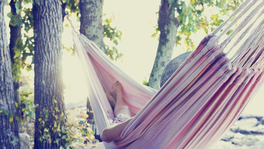 Easy living: Πως θα περνάτε... χαλάρα σε 12 απλά βήματα