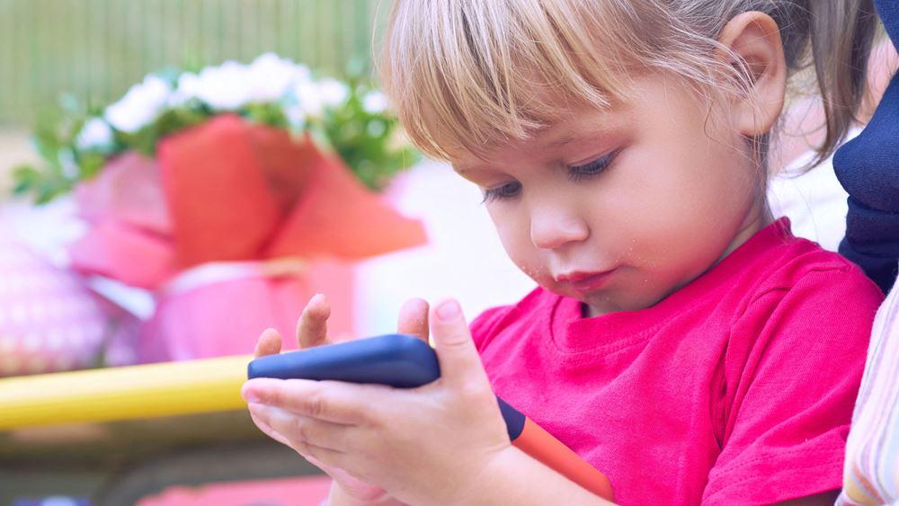 Δομικές αλλαγές στον παιδικό εγκέφαλο από τη χρήση ηλεκτρονικών με οθόνη