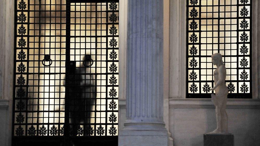 """Υπόγεια """"μαχαιρώματα"""" σε ΣΥΡΙΖΑ και Κυβέρνηση"""
