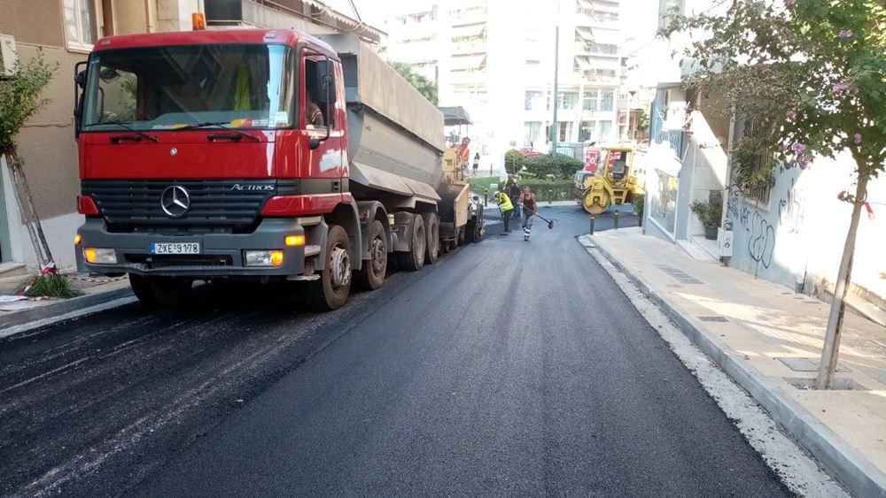 Δήμος Αθηναίων: 65 χιλιάδες τ.μ. ασφαλτοστρώσεις δρόμων τον Αύγουστο σε όλη την πόλη
