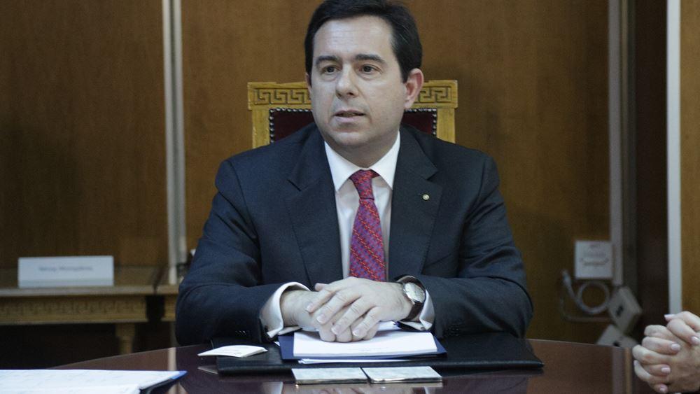 Νομοσχέδιο επιτάχυνσης της διαδικασίας ασύλου προανήγγειλε ο Ν. Μηταράκης