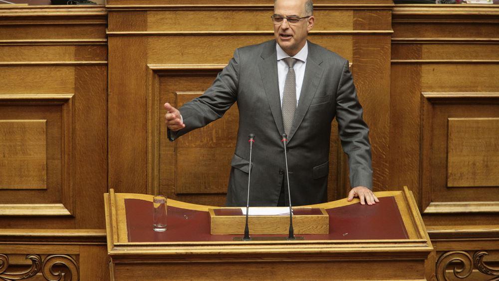 """Βουλή: Επίθεση Δένδια σε Τσίπρα για αντιλήψεις """"επικίνδυνες για τη δημοκρατία"""""""