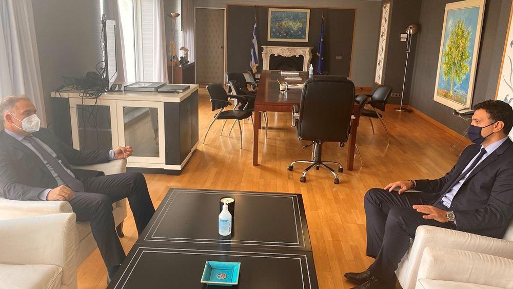 Συνάντηση Κικίλια με τον πρόεδρο του ΞΕΕ