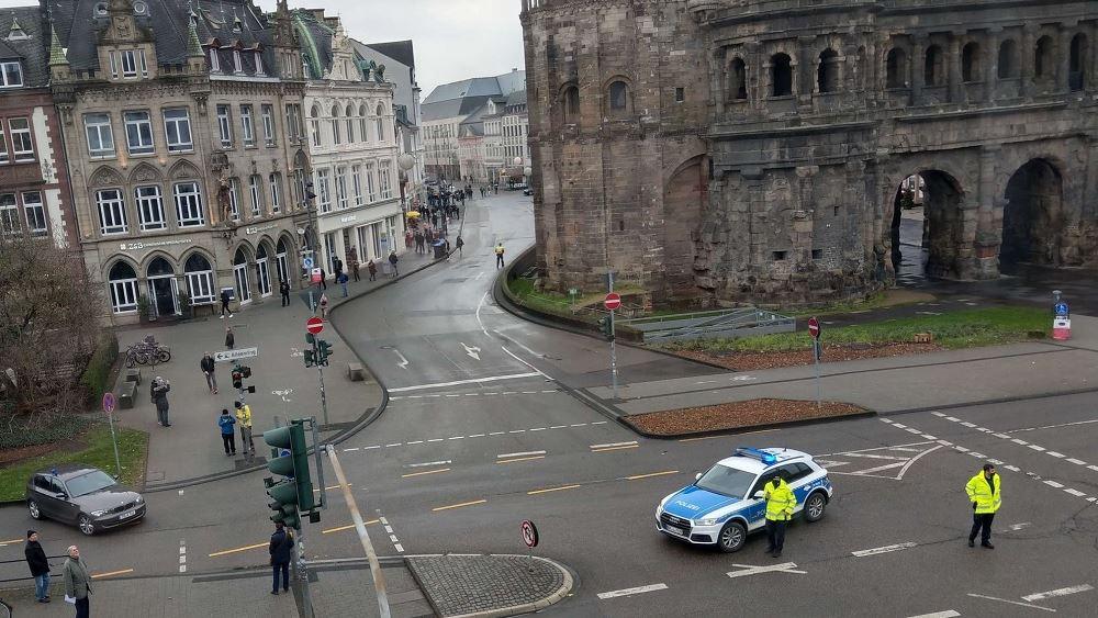 Γερμανία: Αυτοκίνητο έπεσε σε πεζούς στη πόλη Τρίερ - Αναφορές για τραυματίες και έναν νεκρό