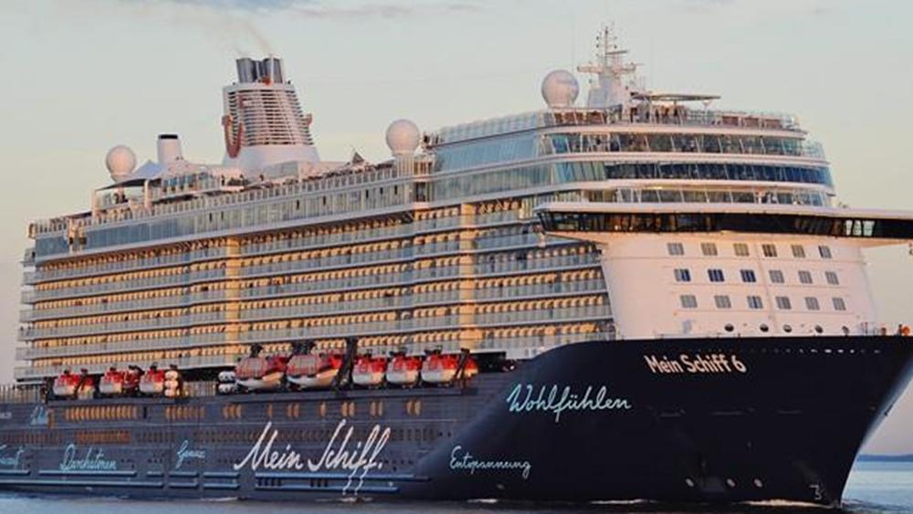 Κέρκυρα: Έδεσε και πάλι κρουαζιερόπλοιο στο λιμάνι του νησιού έπειτα από 6 μήνες