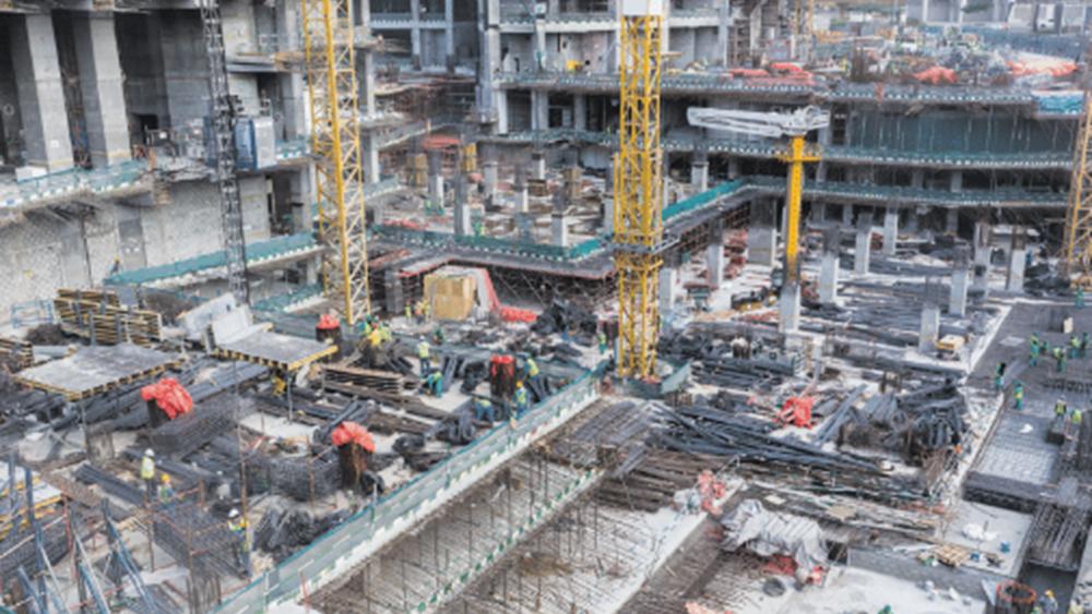 """Η μάχη των κατασκευαστικών ομίλων για την """"πίτα"""" των 43 δισ. ευρώ"""