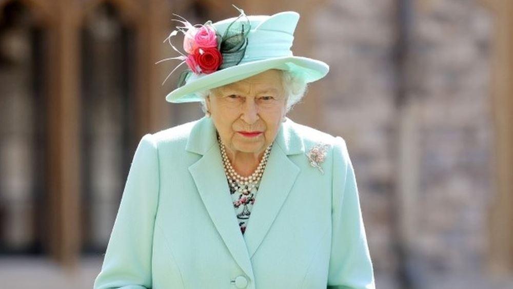 Όπρα Γουίνφρι: Ούτε η βασίλισσα Ελισάβετ ούτε ο πρίγκιπας Φίλιππος αναφέρθηκαν στο χρώμα του παιδιού των Χάρι-Μέγκαν