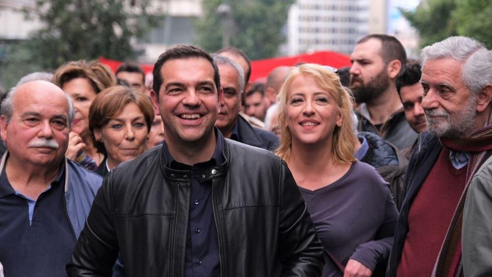 Ο Τσίπρας στην πορεία μα όχι στην Πρεσβεία και άλλες ιστορίες για αγρίους