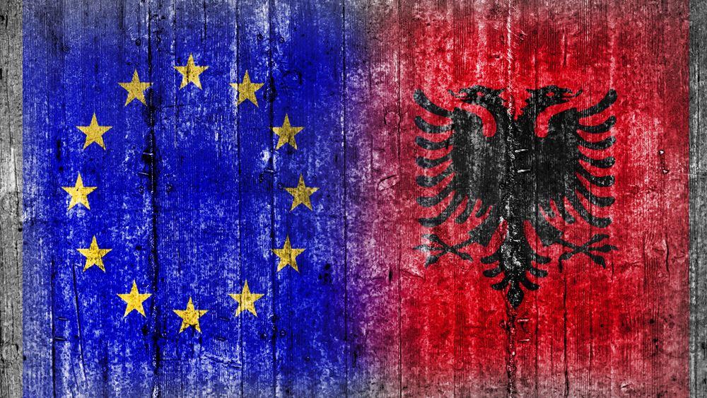 Στην Αλβανία αύριο ο Ευρωπαίος επίτροπος Δ. Αβραμόπουλος