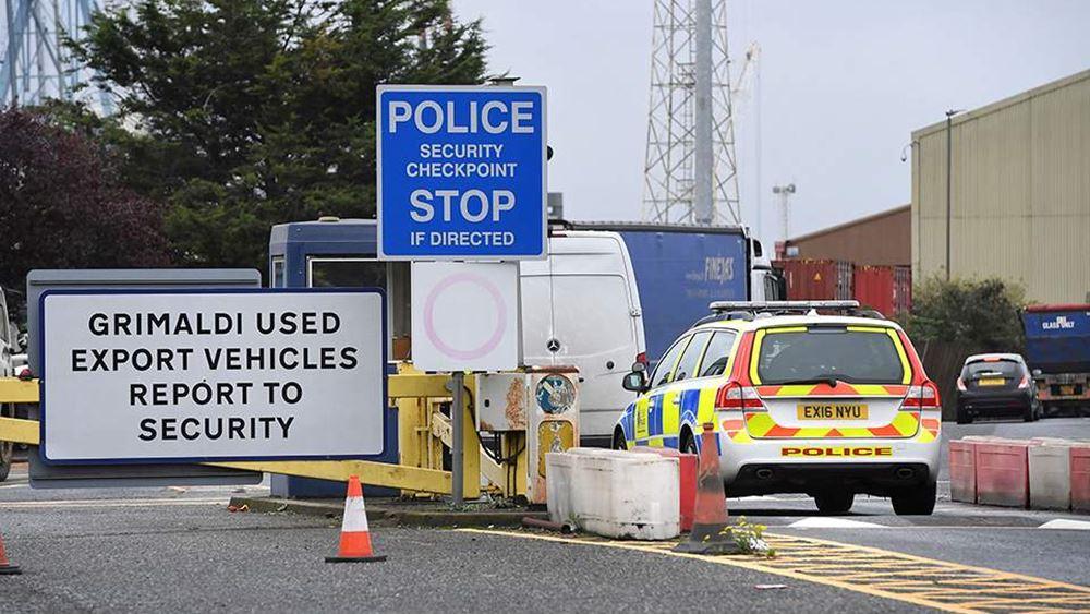 """Βρετανία: Ελεύθερα με εγγύηση τρία άτομα που είχαν συλληφθεί για """"το φορτηγό του θανάτου"""""""