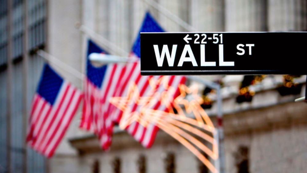 Άνοδος άνω των 370 μονάδων για τον Dow Jones