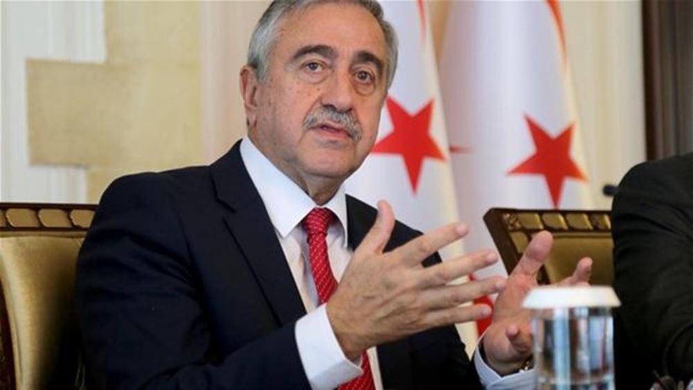 Κυπριακό: Ο Ακιντζί απείλησε με παραίτηση ενάντια στο ενδεχόμενο υιοθέτησης λύσης χαλαρής ομοσπονδίας
