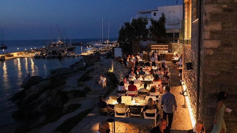 Deck bar restaurant, ο νέος χώρος στο πρώην Ξενία Πάρου