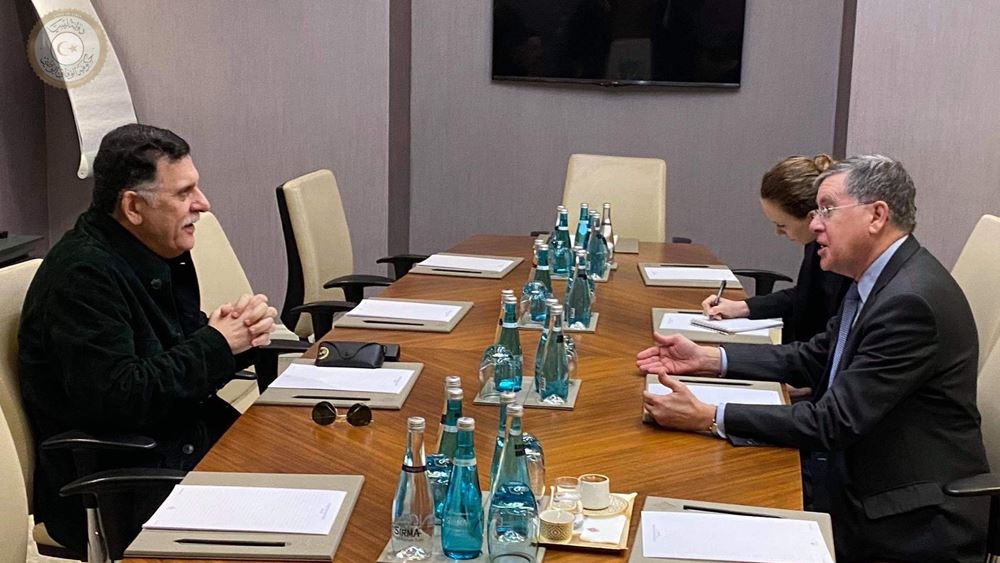 Συνάντηση Σάρατζ με τον πρέσβη των ΗΠΑ στην Κωνσταντινούπολη