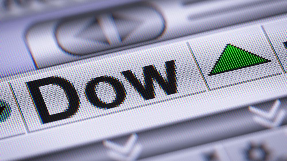 Ξεπέρασε και τις 30.000 μονάδες ο Dow Jones