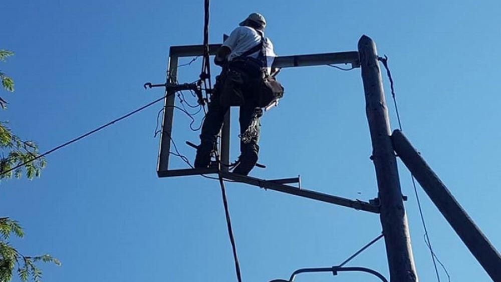 ΔΕΔΔΗΕ: Με εντατικό ρυθμό η αποκατάσταση της ηλεκτροδότησης στις πληγείσες περιοχές