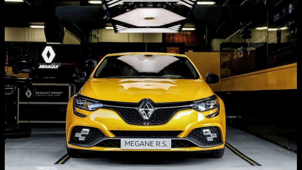 Η γαλλική κυβέρνηση δεν αποκλείει απολύσεις στη Renault
