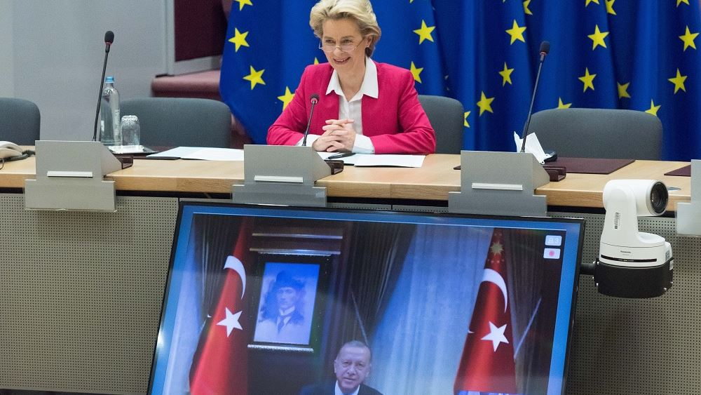 Την έναρξη διερευνετικών συνομιλιών Ελλάδας-Τουρκίας χαιρετίζει η Ούρσουλα Φον Ντερ Λάιεν