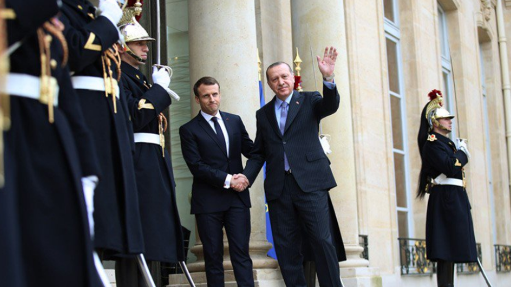 Πώς η Γαλλία παρεμβάλλεται στα ελληνοτουρκικά