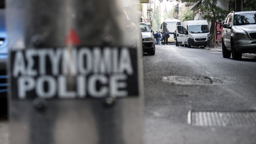 Έφοδος των αστυνομικών σε πολυκατοικίες των Εξαρχείων