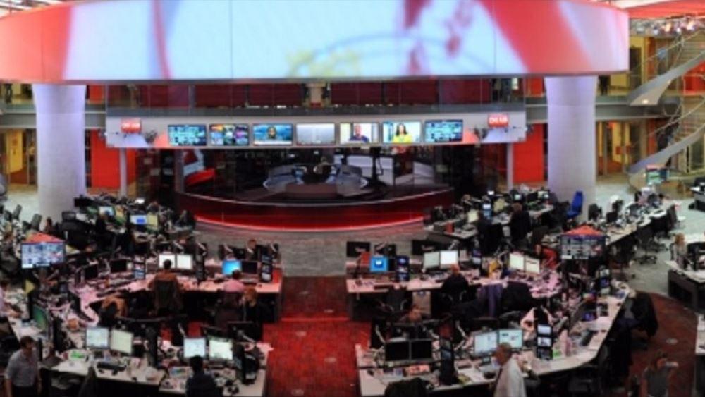 Το BBC προχωρά σε κατάργηση 450 θέσεων συντακτών