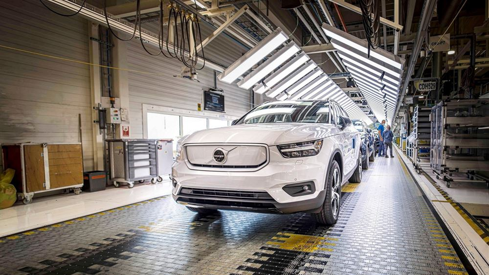H Volvo ξεκινά την παραγωγή του ηλεκτρικού XC40 Recharge