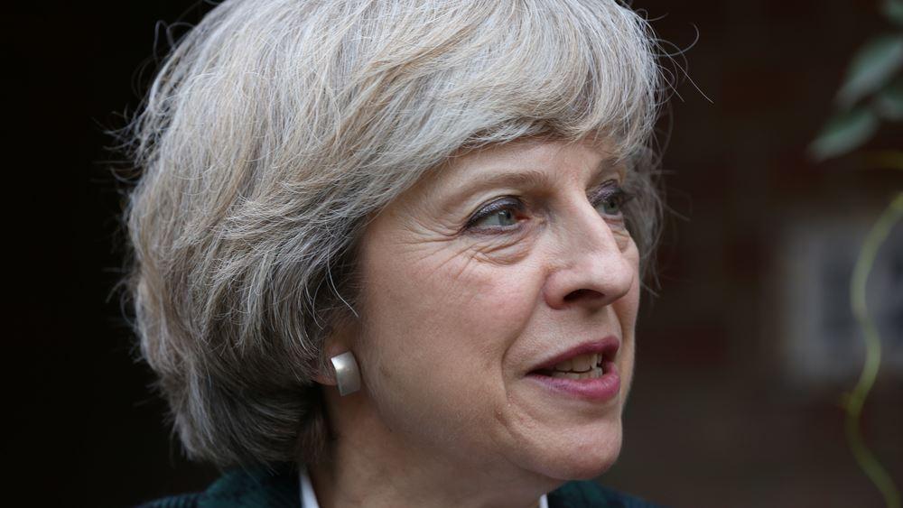 """Βρετανία: Θετική η κυβέρνηση Μέι σε τροπολογία για αντικατάσταση της """"δικλείδας ασφαλείας"""" στη Β. Ιρλανδία"""