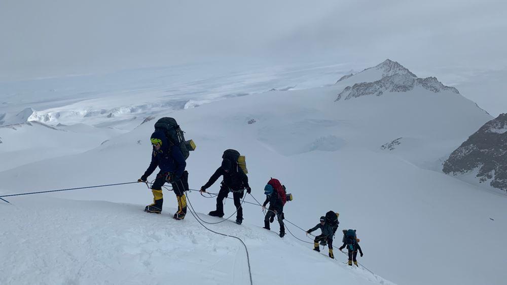 """Η πρώτη Ελληνίδα που πετυχαίνει το """"7 Summits"""""""