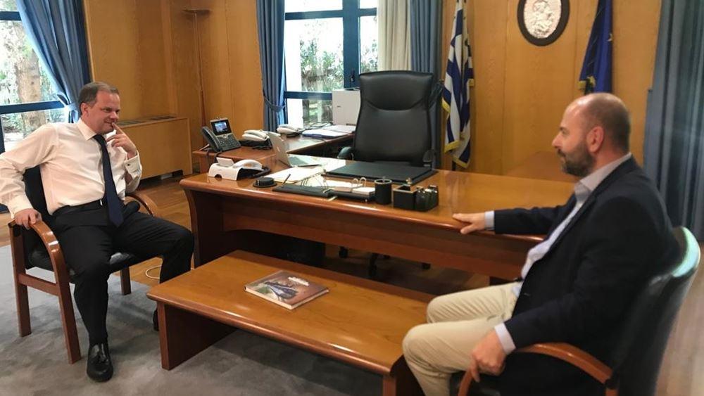 Με τον πρόεδρο του ΤΕΕ συναντήθηκε ο υπουργός Υποδομών Κ. Καραμανλής