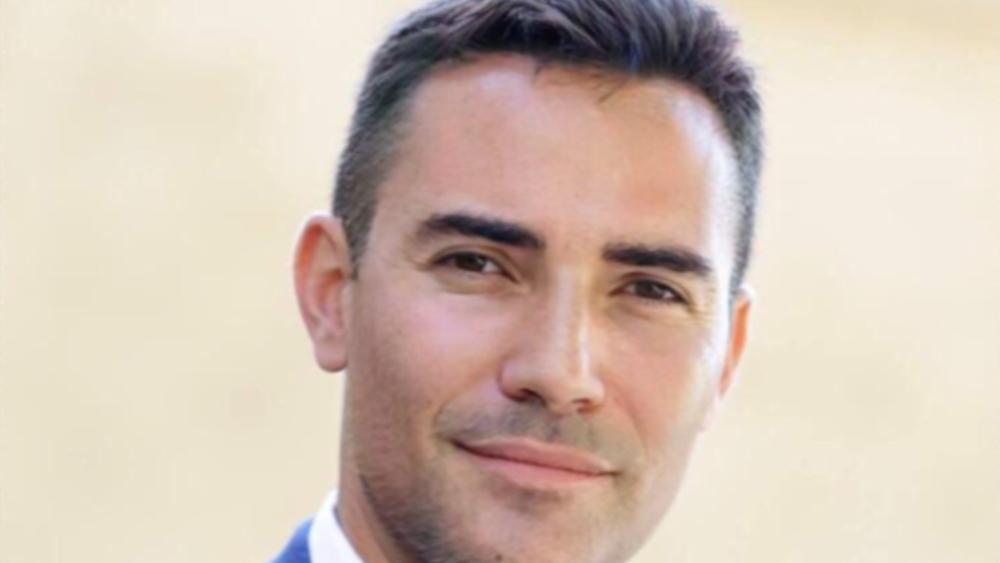 """Γκάμπριελ Γκρέγκο (QCM) στο Capital.gr: Από το 2016 είχα """"μυριστεί"""" την απάτη της Akazoo"""