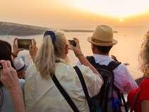 """Ο τουρισμός """"θυμήθηκε"""" τα έσοδα του 2019"""
